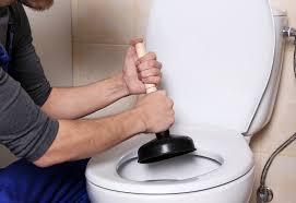 mieter haftet für schuldhaft verursachte toilettenverstopfung