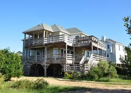100 Sandbank Houses