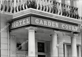 100 Kensington Gardens Square Garden Court Hotel 30 Editorial