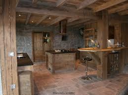 cuisine bois et le vieux bois quand la poutre se fait meuble menuiserie