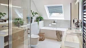 traumbad mit pflanzen badezimmer mit dachschräge hansgrohe de