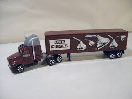 Vintage Road Champs Hershey's Kisses Die Cast Kenworth Sarielpl Kenworth Road Train Long Haul Trucker Newray Toys Ca Inc Diecast Truck Replica Dump 132 Scale Toy For Kids Revell 125 W900 Wrecker Amazoncouk Games Route 66 Trucks And Dcp 4026cab K100 Cabover Stampntoys Jual K200 Prime Mover Drake Gunmetal Grey Di Lapak Kinsmart Die Cast T700 Container Assorted Colours C509 Trailer Cqhh Zt09063 Elvis Presley Youtube With Nts Zt09039
