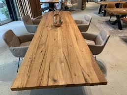 esstisch aus eichenholz rustikaler esstisch holz