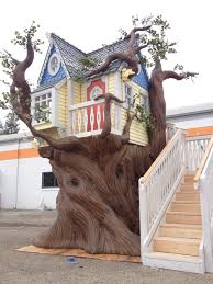100 Tree House Studio Wood A Custom Built Tree House Made At Monster City S In Fresno