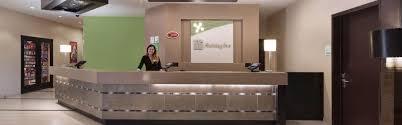 Front Desk Receptionist Jobs In Houston Tx by Hotel In Anaheim California Holiday Inn Hotel U0026 Suites