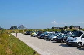 arriving by car bienvenue au mont michel