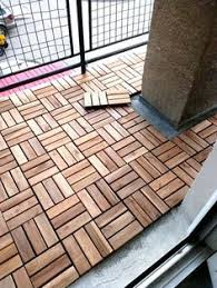 Wooden Floor Tiling For An Apartment Balcony Great Idea To Customize A Rental
