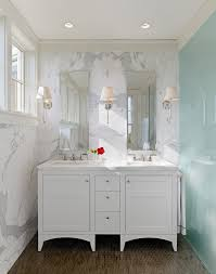Double Vanity Bathroom Mirror Ideas by Best 25 Narrow Bathroom Vanities Ideas On Pinterest Toilet For