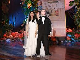 Kelly Ripa Halloween Skit by Talk Show Halloween Costume Battle 2014 Live And Learn