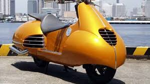 The Family Version Of Scooter With 4 Seats It Is Supposedly Ideal To Drive Your Kids Around Vespa South Africa Subtly Refers Limousines By Calling
