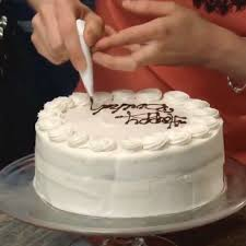 best 25 cake decorating frosting ideas on piping