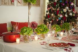 christmas dinner table decorations lettuce instead flowers