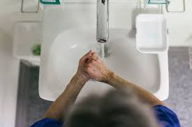 Best Sink Material For Well Water by Turning The Water On In A Sink Can Launch Pipe Climbing Superbugs