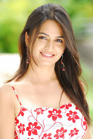 Cute Kriti Kharbanda Wallpapers