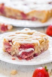 flauschiger erdbeer bananen kuchen einfaches und