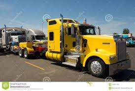 100 Used Tow Trucks A Heavy Duty Truck For Hauling Large Brokendown