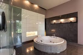 badezimmer fliesen braun badezimmer alte braune fliesen