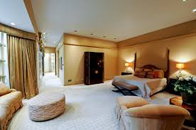 Bedroom Luxury With Relaxing Room Decorating Ideas In White Gold Single Bed Queen Size Pillows Rug Areas Seating Complete