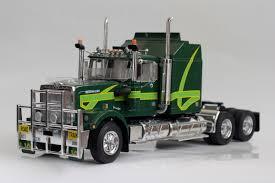 Italeri Australian Truck 1:24 Scale Plastic Model Kit 719 ...