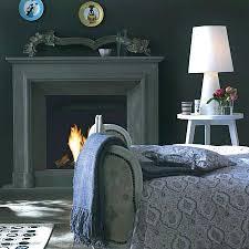 wohnidee 6 schlafzimmer in dunklem grau mit weißen möbel