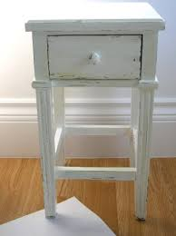 how to antique and distress furniture with paint