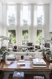 Christina Hamoui Especial Living Room Decor High CeilingsDecor