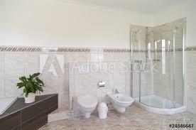 geräumiges badezimmer fototapete