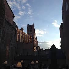 bruit en cuisine vue imprenable sur la cathédrale photo de le bruit en cuisine