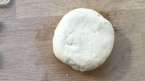 pate a sel décorations en forme de cœur faites à partir de pate à sel