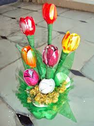 Decoration Gorgeous Spoon Crafts Design Ideas In Tulip Flowers Colored Yellow And Maroon Also