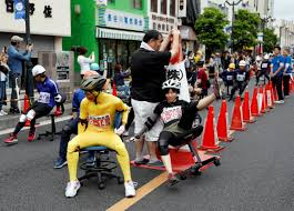 People In Japan Are Racing Office Chairs On The Streets To Win Free ... Osmond Ergonomics Ergonomic Office Chairs Best For Short People Petite White Office Reception Chairs Computer And 8 Best Ergonomic The Ipdent 14 Of 2019 Gear Patrol Big Tall Fniture How To Buy Your First Chair Importance Visitor In An Setup Hof India Calculate Optimal Height The Desk For People Who Dont Like On Vimeo Creative Bloq