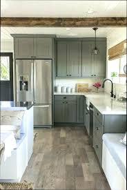 comment repeindre une cuisine en bois repeindre sa cuisine en bois comment cuisine fabulous comment re