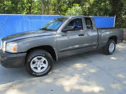 Lloyd's Auto Sales :: Lloyd's Auto Sales - 2005 Dodge Dakota SLT ...