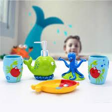 kinder badezimmer zubehör set 5 stücke zahnbürste halter bad room decor reizende nette krabben octopus whale farbe harz kinder geschenk
