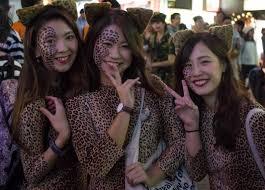 Salem Massachusetts Halloween Events by Tokyo U0027s Shibuya Celebrates Halloween With Awesome Cosplay Crowds