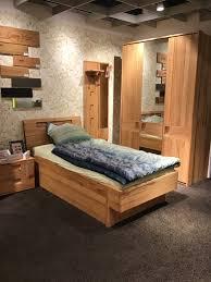 schlafzimmer komplett bett inkl schubkasten kernbuche massiv inkl nachttisch