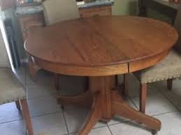 Antique Oak 42 In Round Dining Table With 1 Leaf