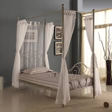 Queen Canopy Bed Curtains by 24 Images Amusing Canopy Bed Idea Ambito Co