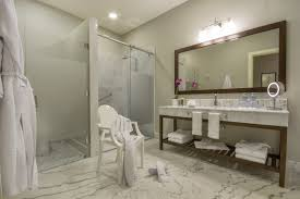 45 Ft Bathroom by Accommodations From Hotel Del Parque Guayaquil Ecuador