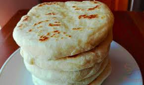 schnelle mit käse gefüllte knoblauchfladen das perfekte gebäck fürs grillfest