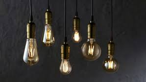 complete history details and facts about the light bulb