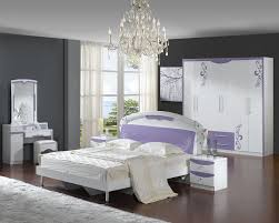 interior modern purple bedroom decoration using light purple