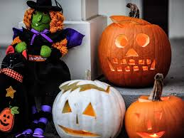 Jim Shore Halloween Uk by Us Parents Are Being Urged To Check Where Potential Paedophiles