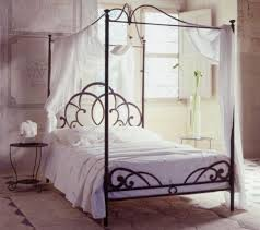 I Have Always Wanted A Four Poster Bed But They Look Too Bulky Country Bedroom DesignFrench