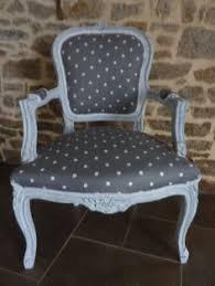 relooking fauteuil louis xv fauteuil cabriolet style louis xv entièrement relooké meubles