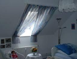 Schlafzimmer In Dachschrã Dachfenster Dachschrä Giebel Und Gauben