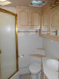 45 Ft Bathroom by 2002kingsleycoach45ft