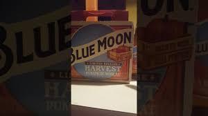 Leinenkugel Pumpkin Spice Beer by Blue Moon Pumpkin Ale Youtube