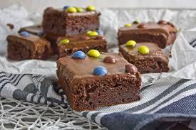 joghurt brownies mit kokos schoko creme