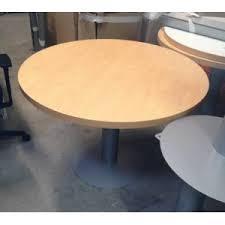 table ronde bureau table de réunion ronde hêtre clair planet office le spécialiste